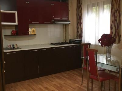 Chirie apartament 3 camere  Marasti zona Fsega