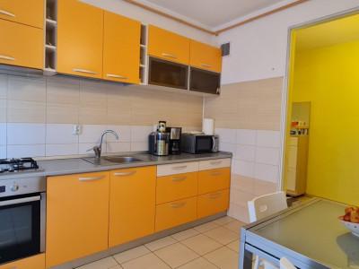 Apartament 4 camere 103 mp zona Arinilor.